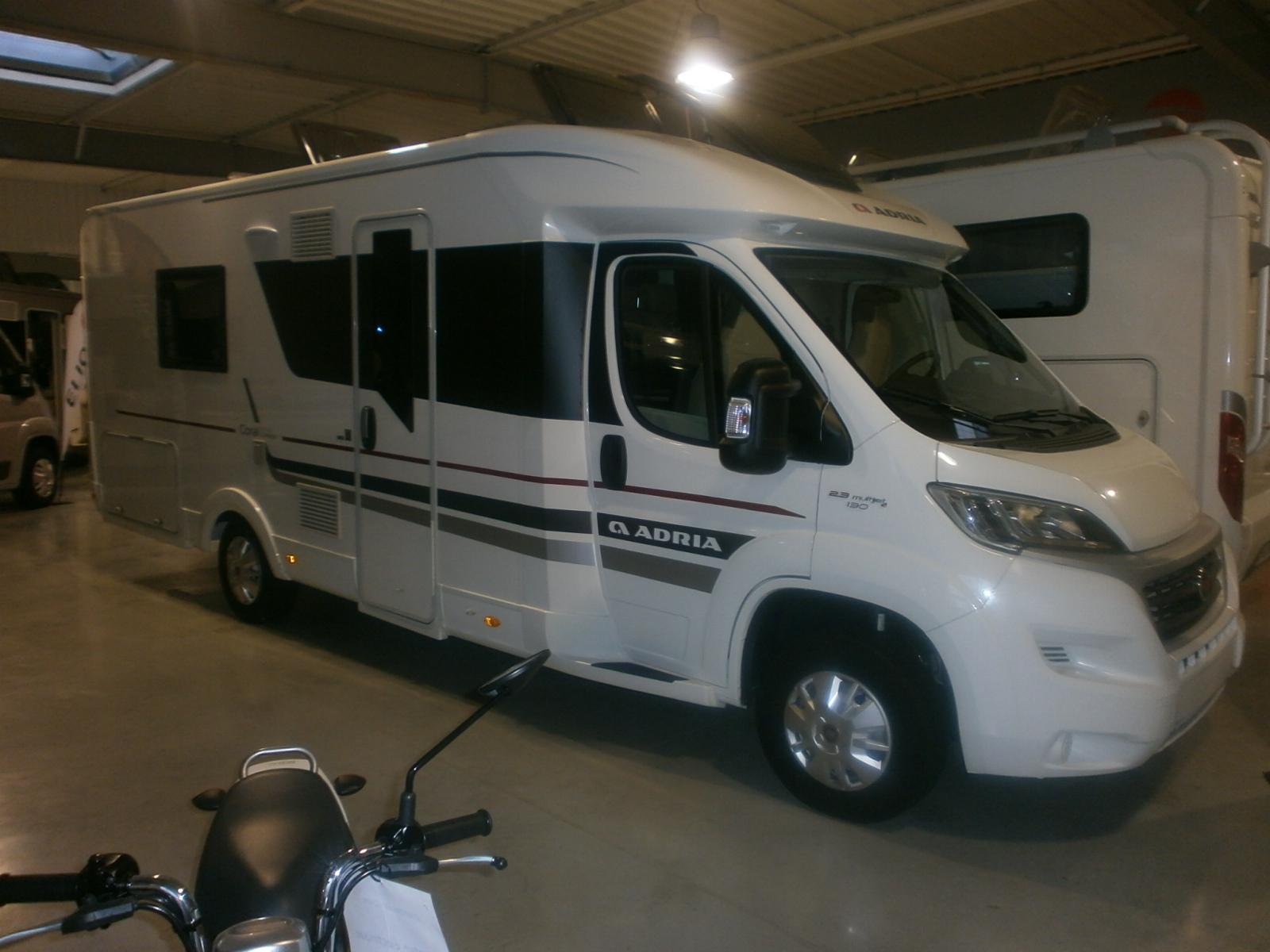 les occasions adria normandie camping car de l 39 odon camping car et caravanes caen. Black Bedroom Furniture Sets. Home Design Ideas